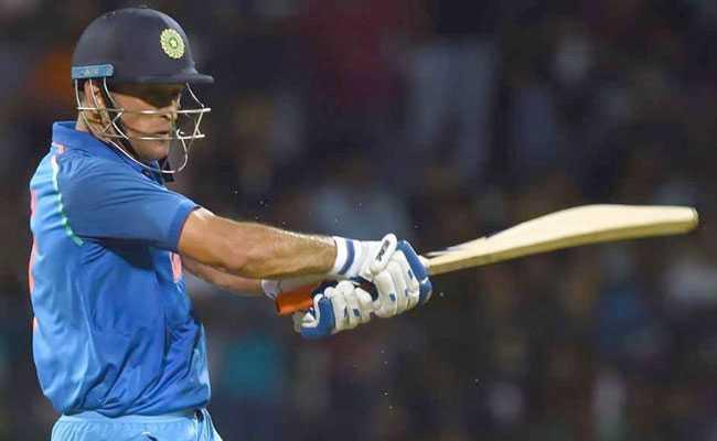 धोनी में अब भी काफी क्रिकेट बाकी, विश्वकप के लिए पूरी तरह फिट: मुख्य कोच रवि शास्त्री