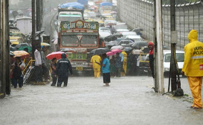 Rs 5 Crore Reward For Cops Who Worked During Mumbai Deluge