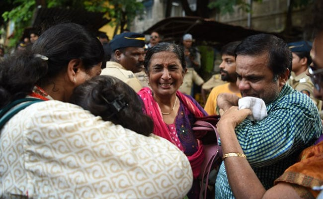 Mumbai Stampede: Bodies Of 17 Victims Handed Over To Kin