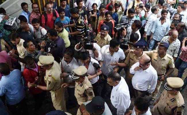 Mumbai Stampede: Number Of Dead Rises To 23 As Patient Dies In Hospital