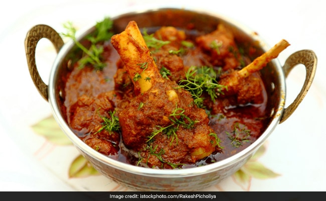 Railway Mutton Curry Recipe: This Indian Railway Mutton Curry Recipe Will Prove To Be A Hit Among Mutton Lovers