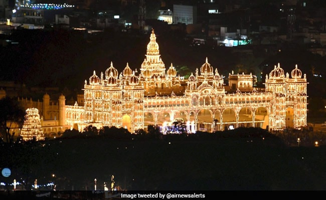 Dussehra 2017: Mysuru Palace Lights Up For Mysuru Dasara Festival. See Stunning Pics