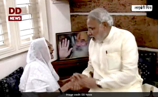 PM Modi Turns 67, Begins Birthday With Mother's Blessings