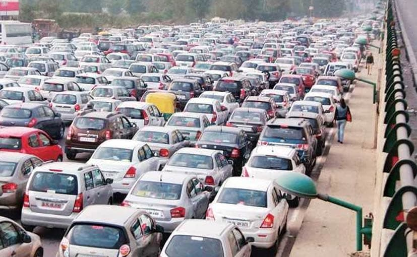 Higher Fuel Cost, Rupee Fall Lead To 5.6% Drop In Passenger Vehicle Sales