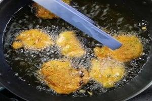 Pyaaz Pakoda | Onion Pakoda