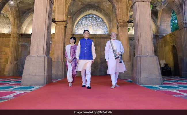 PM Modi, Shinzo Abe Visit Iconic Mosque In Ahmedabad