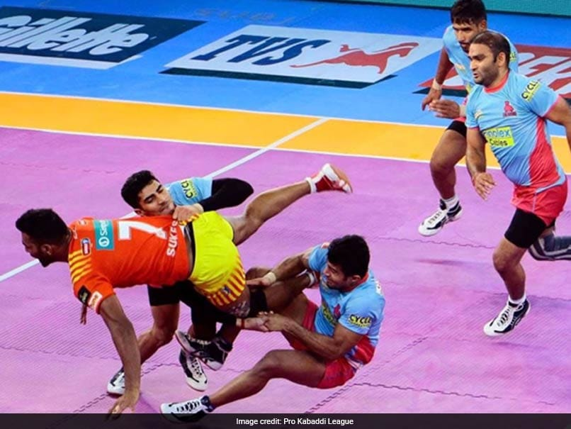 Pro Kabaddi League: Jaipur Pink Panthers Hand Leaders Gujarat Fortunegiants Third Loss