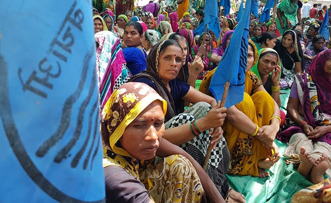 protest against sardar sarovar dam 650