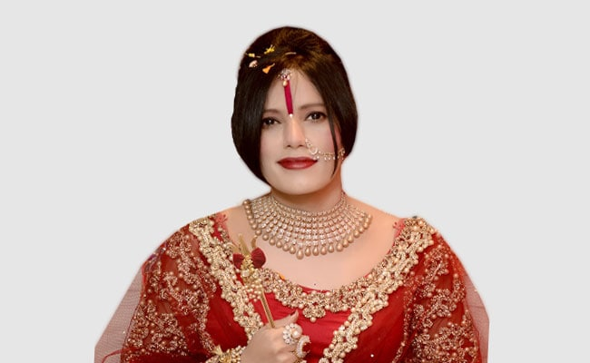 गुरमीत राम रहीम ही नहीं राधे मां की लाइफस्टाइल भी है बेहद रंगीन