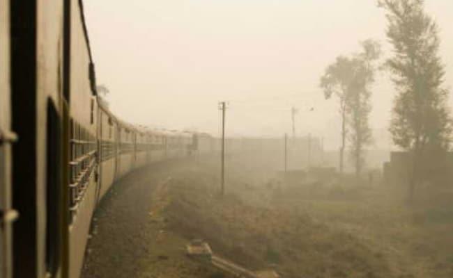 दिल्ली-कालका एक्सप्रेस के ड्राइवर को लगानी पड़ी इमर्जेंसी ब्रेक, 10 यात्री घायल