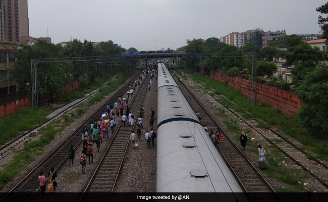 Super Rajdhani Launched On Delhi-Mumbai Route: Fares And Other Details