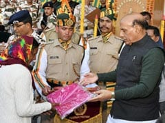 Union Minister Ranjath Singh Celebrates Dussehra With Troops On India-China Border