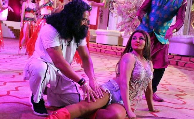 'हनीप्रीत' राखी सावंत की 'राम रहीम' के साथ ये तस्वीरें देखकर हैरान रह जाएंगे आप!