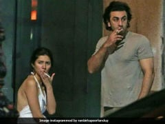 Viral: Pic Of Ranbir Kapoor, Mahira Khan Prompts Dating Rumours (And Trolling)