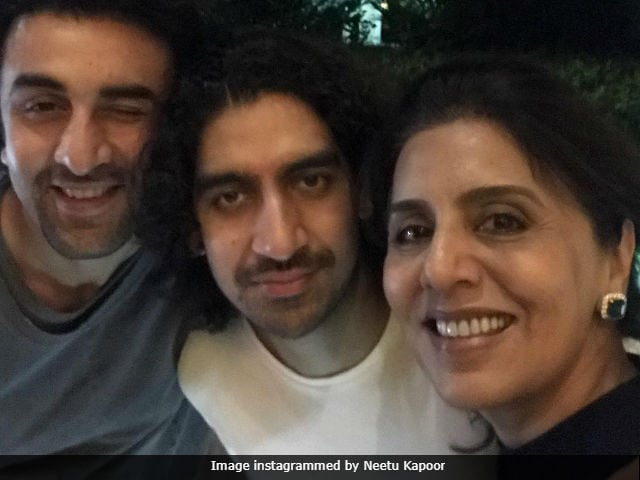 Ranbir Kapoor's Birthday Finale: Family Dinner Sealed With A Wink