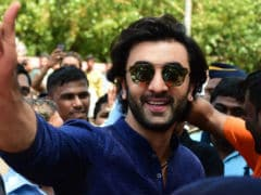 Ganesh Chaturthi 2017: Ranbir And The Kapoors Spotted During Ganpati <I>Visarjan</i>. See Pics