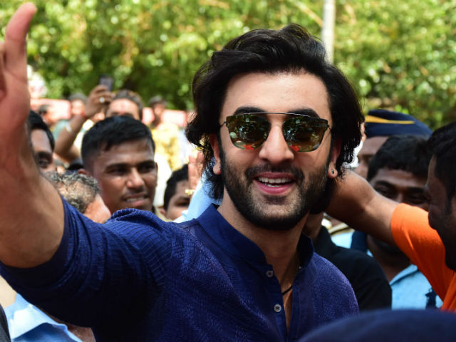 Aishwarya, Ranbir bid Ganesha goodbye after 10 days of festive fervour