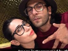 Ranveer Singh And Karisma Kapoor Recreate The Magic Of <i>Sarkailo Khatiya Jada Lage</i> In This Video