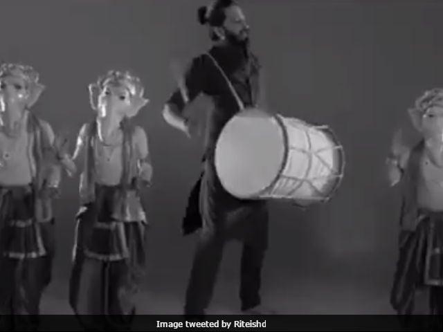 Ganesh Chaturthi 2017: Riteish Deshmukh Thanks Lord Bappa In A Quirky Way