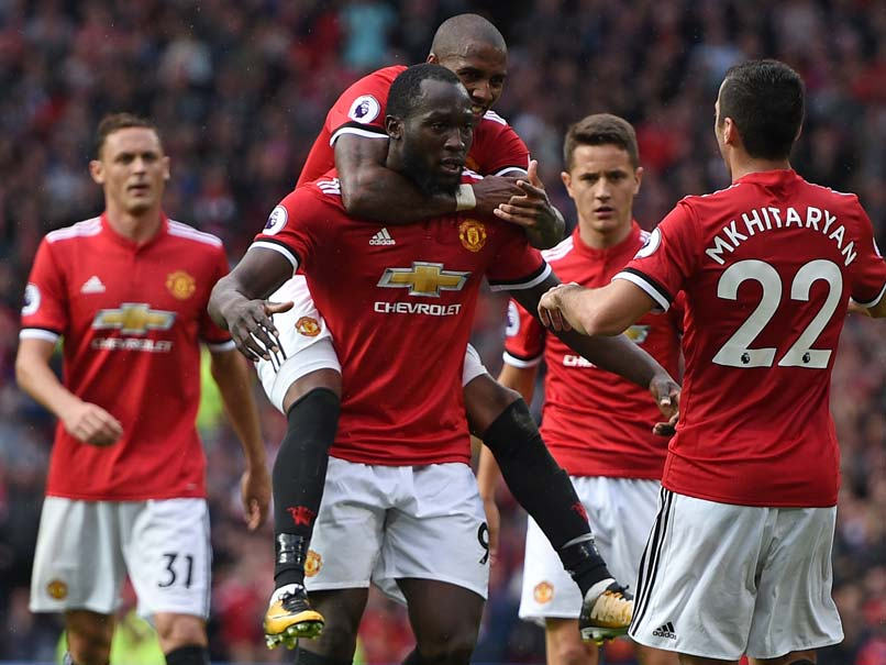 Premier League: Manchester United Thrash Everton, Chelsea Draw Against Arsenal