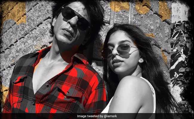 बेटी सुहाना गई स्कूल तो जानें उनकी पीठ-पीछे क्या कर रहे हैं शाहरुख खान?