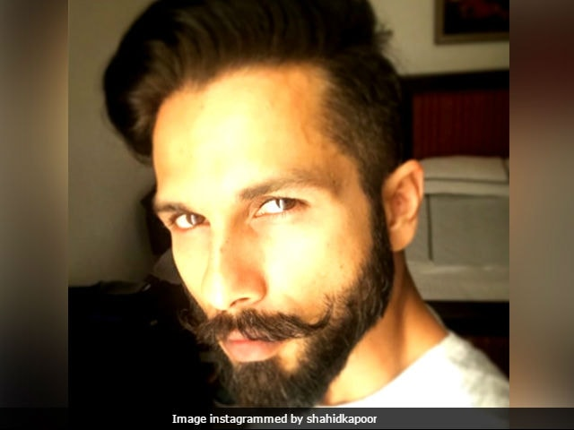 Shahid Kapoor Back In Padmavati Mode. Shares Pic