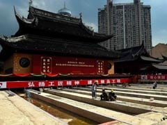 2000-Tonne Buddhist Temple Hall Moved. Watch The Time Lapse Video