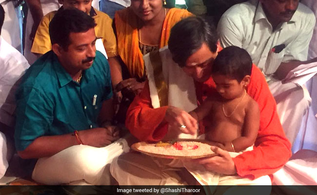 'Ezhuthiniruthu': Kids Initiated Into World Of Learning In Kerala On Vijayadasami Vidyarambham