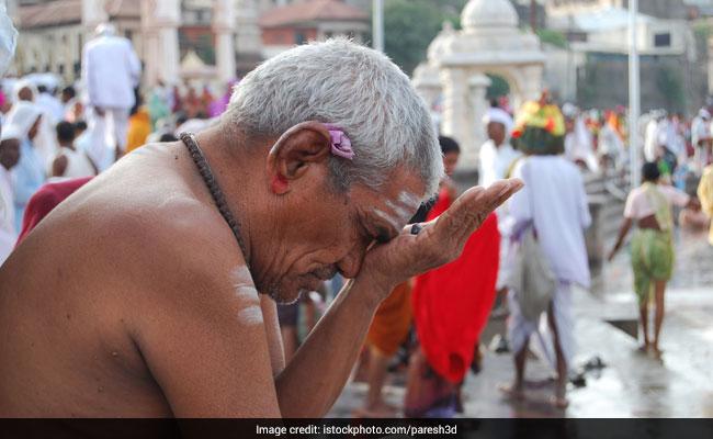 Pitru Paksha 2018: पितृ पक्ष शुरू, जानिए श्राद्ध की तिथियां, पूजा विधि, नियम, कथा और महत्व