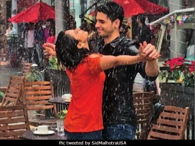 Aiyaary: Sidharth Malhotra And Rakul Preet Singh Make It Rain On Twitter