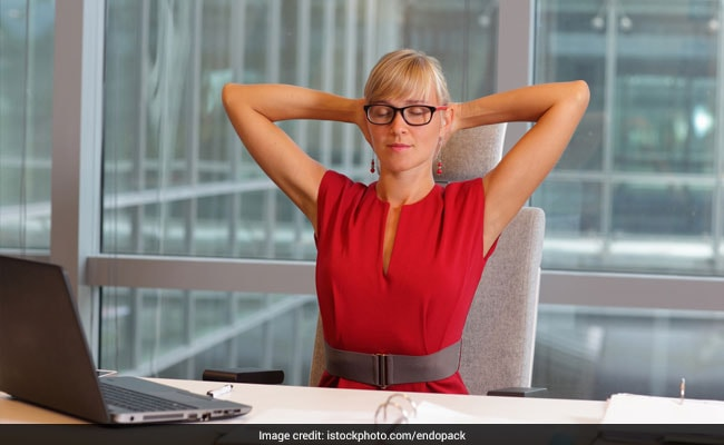 5 Simple Exercises You Can Do While Sitting At Your Desk