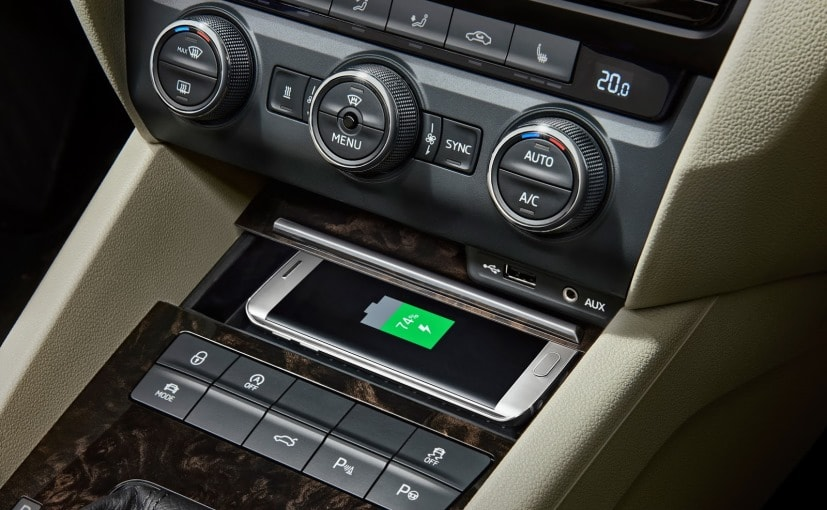 skoda superb wireless phone charging