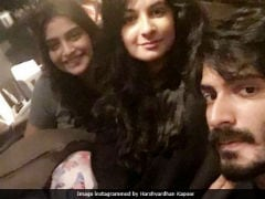 Sonam Kapoor And Rhea Got <i>Veere</i> Harshvardhan's Back