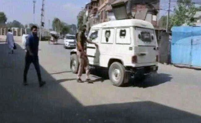 Jammu And Kashmir Cop Throws Away Grenade Flung By Terrorists, Saves Lives