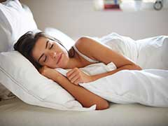 Irregular Sleeping Patterns In Youngsters Can Up The Risk of Diabetes; Try These Sleep Inducing Foods