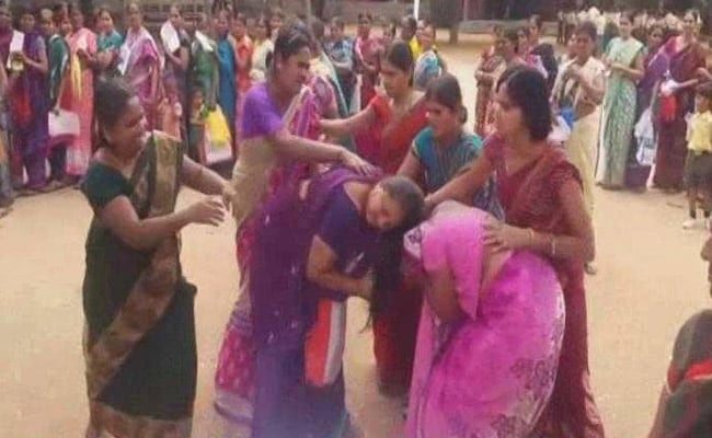 Telangana Government's Saree Gift Leaves Many Women Fighting, Screaming And Angry