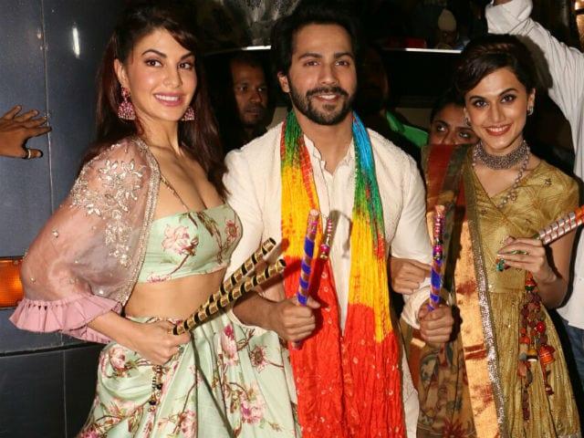 Navratri 2017: Judwaa 2's Varun Dhawan, Taapsee Pannu And Jacqueline Fernandez Have An 'EPIC' Dandiya Night