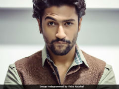 'Uri' Actor Vicky Kaushal Was Eating This Delhi Delicacy And We Bet You Are A Fan Too!