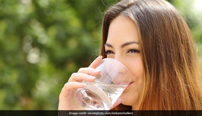 Drink Water Before Your Meals To Lose Wegith: Here's How It Works!