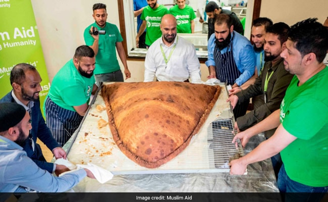 Watch: How The World's Largest Samosa Was Made