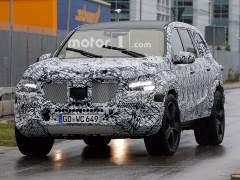 Next Generation Mercedes-Benz GLS Spied Testing
