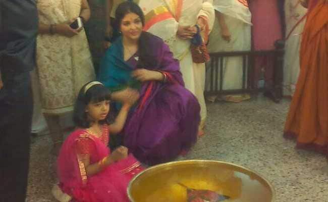 मां ऐश्वर्या राय बच्चन के साथ आराध्या बच्चन ने सेलिब्रेट किया दशहरा, देखें Photos