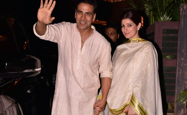 Pics: Akshay Kumar, Twinkle Khanna Hold Hands At Diwali Party