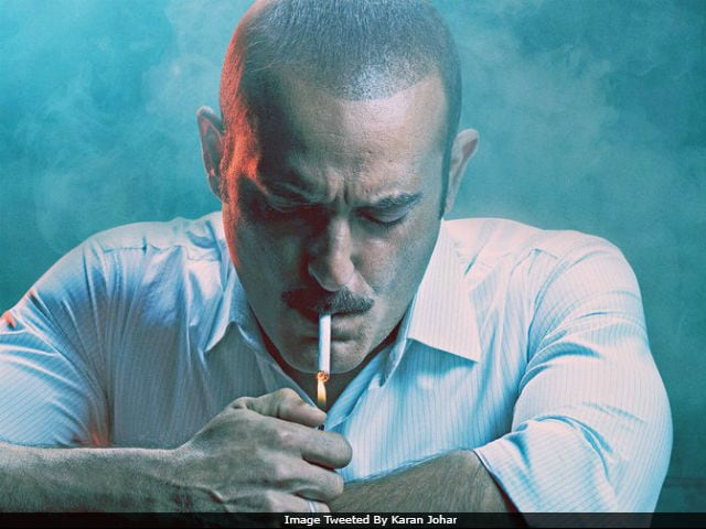 Ittefaq Posters: Twitter Loves Akshaye Khanna. Sorry, Sonakshi And Sidharth