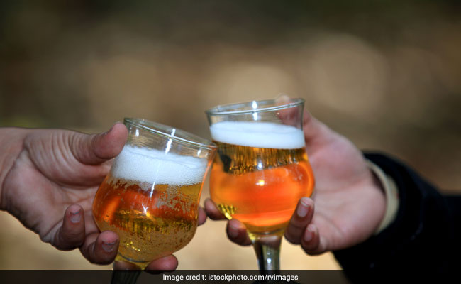 Alcohol Consumption May Trigger Insomnia in Adolescents