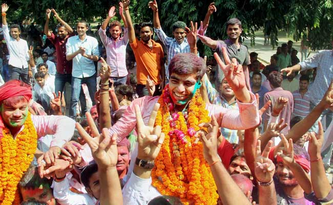 Samajwadi Party Students Prise Allahabad University From BJP-Linked ABVP