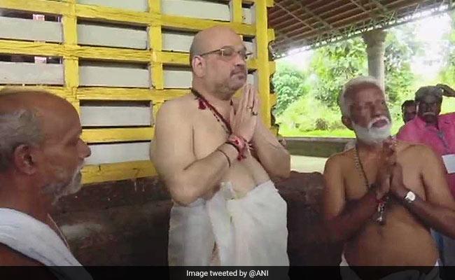 बीजेपी का मिशन केरल, अमित शाह ने राजराजेश्वर मंदिर में पूजा-अर्चना की