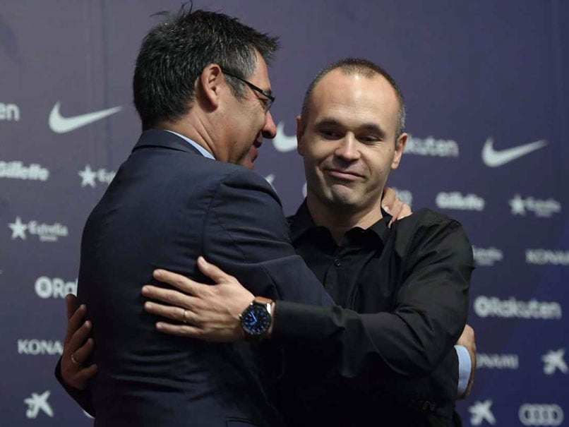 Andres Iniesta Agrees First 'Lifetime' Contract At Barcelona