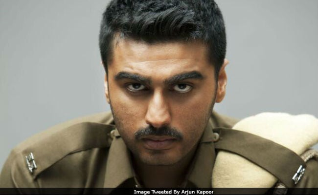 Presenting Arjun Kapoor As A Cop In Sandeep Aur Pinky Faraar First Look