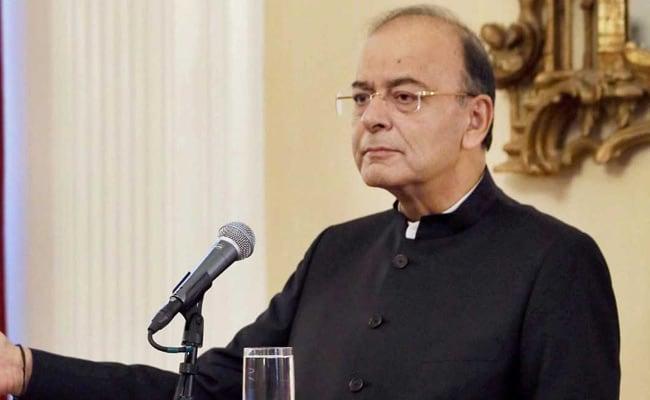 वित्त मंत्री अरुण जेटली ने अमेरिका के वित्त और वाणिज्य मंत्रियों के साथ एच-1बी वीजा का मुद्दा उठाया